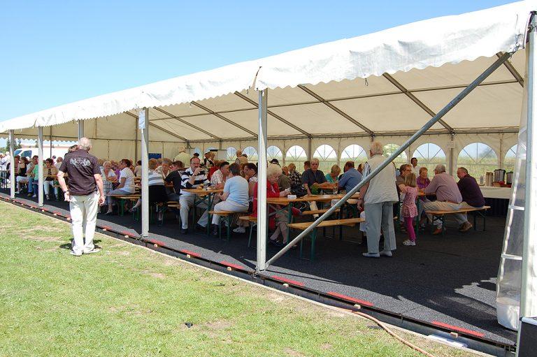 Sommerfest im Zelt